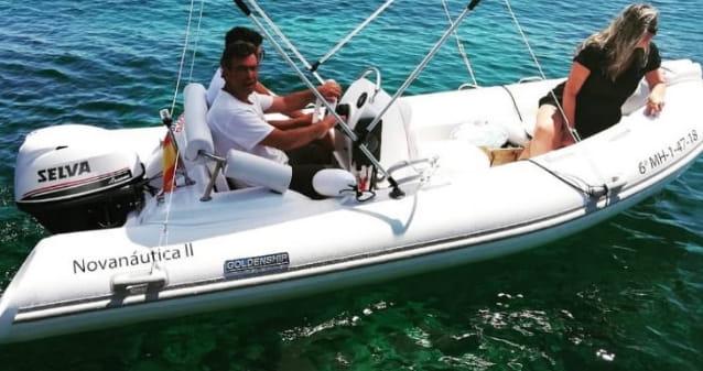 Barca Goldenship alquilar Menorca